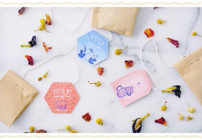 Thé dans petit papier idee cadeau paques, choisir le meilleur cadeau de pâques