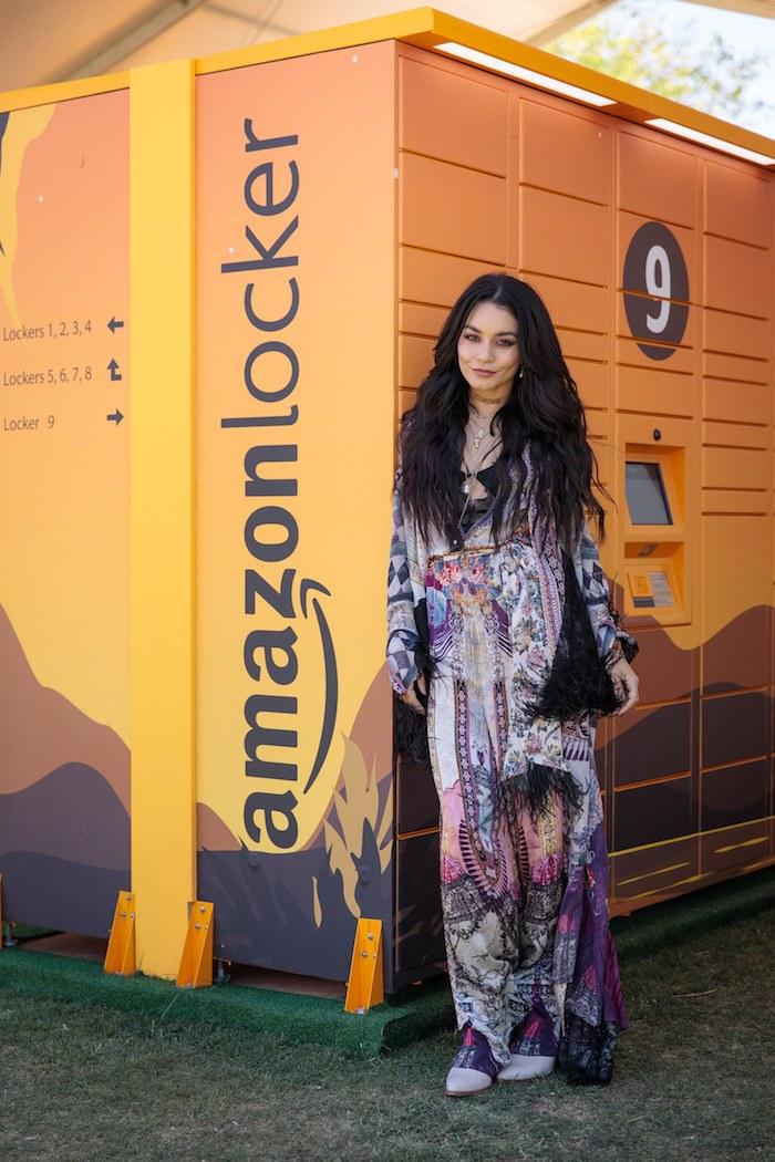 Robe longue transparente style hippie de Vanessa Hudgens tenue festival femme, hippie chic femme 2020 printemps été
