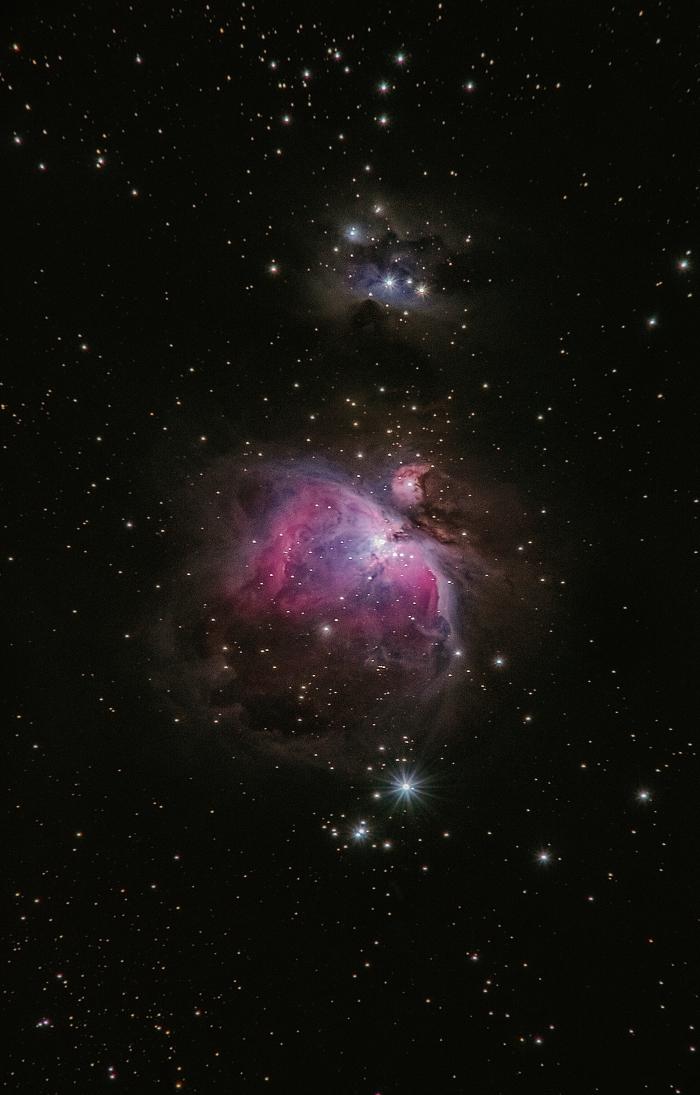 idée de fond d écran smartphone sombre avec étoiles et gaz céleste, magnifique image pour écran du portable sur le thème espace