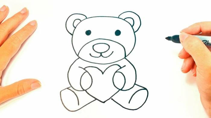 Ourson avec coeur dans les pates, dessin fête des mères, faire un cadeau diy, image fete des meres