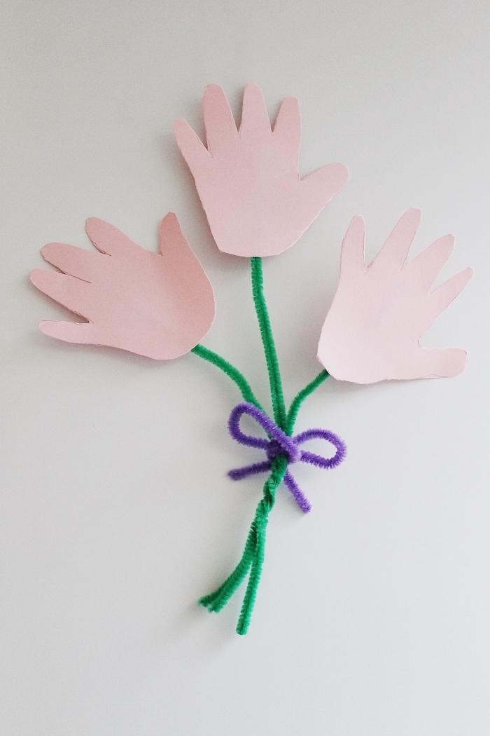 diy bouquet de fausses fleurs en papier cartonné, idée de cadeau fête des mères à fabriquer facilement avec papier