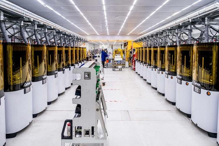 Adidas x Carbon, le duo se retrouve pour la conception de visières de protection imprimées en 3d
