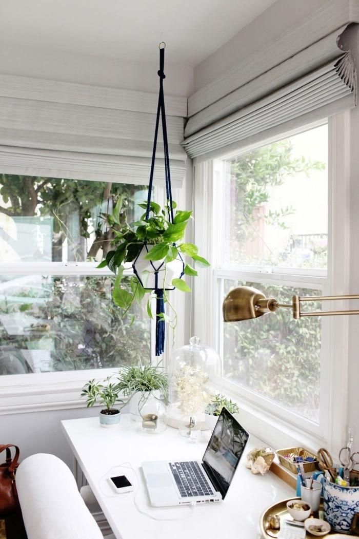 quelles plantes d'appartement choisir pour décorer un coin de travail moderne, idée de déco petit bureau à domicile