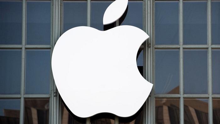Tim Cook annonce qu'Apple allait distribuer 1 million de ses écrans faciaux par semaine aux soignants