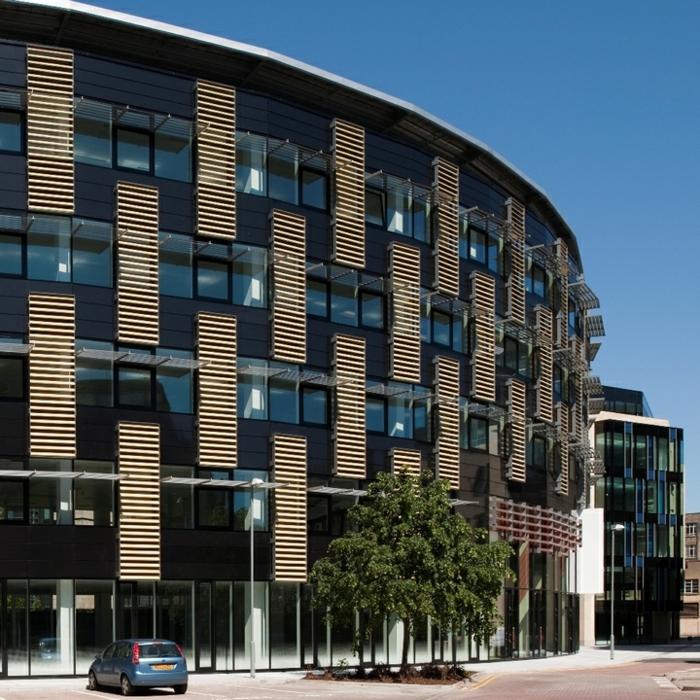 Bâtiment publique, idée pour le meilleur bardage bois extérieur moderne batiment