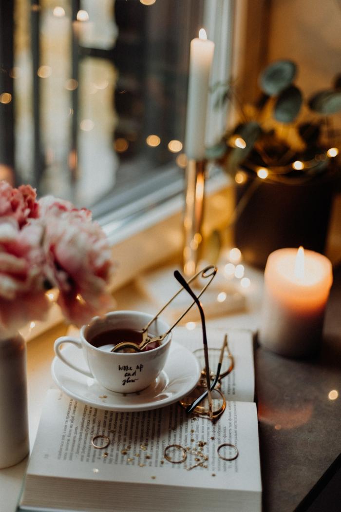 Boire un thé dans sa maison joliment décorée, les plus beau fond d écran, beau fond d écran cocooning