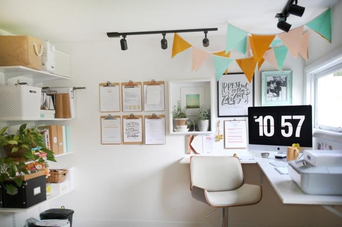 choix de plante verte d'intérieur, exemple comment bien décorer un bureau chez soi avec meubles modernes en blanc