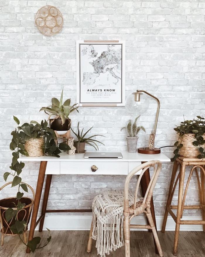 quelles plantes d'appartement choisir pour décorer son bureau à domicile, design bureau dans un salon bohème chic