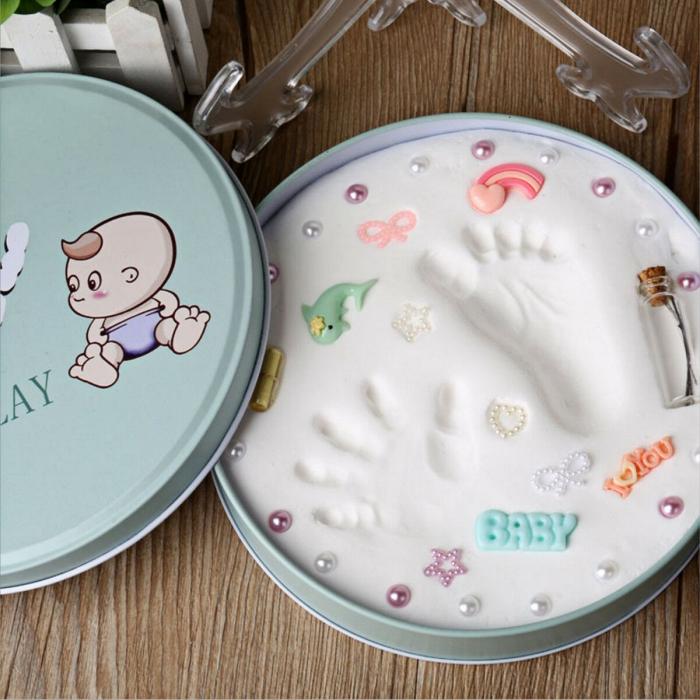 comment faire un cadeau original pour mère avec empreinte bébé, boîte surprise pour mère avec empreinte pied de bébé
