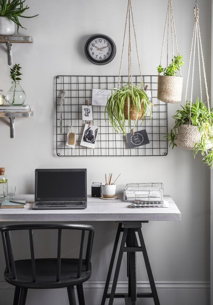 idée comment décorer son bureau de travail dans le salon avec plante pour bureau ou plantes suspendues vertes et dépolluantes