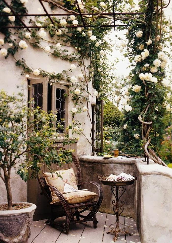 Terrasse de jardin roses fond d'écran stylé, fond d'écran zen image la beauté du monde chaise