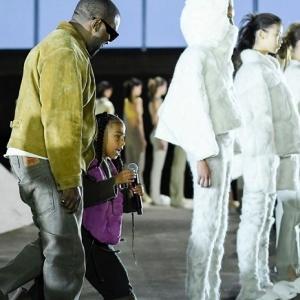 Kanye West déconfine ses nouvelles Yeezy Season 8