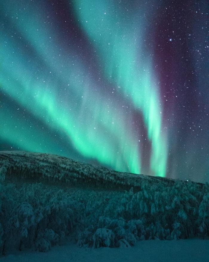 les plus beau fond d écran avec paysage nocturne, photo de l'aurore boréale et ciel nocturne dans une montagne enneigée