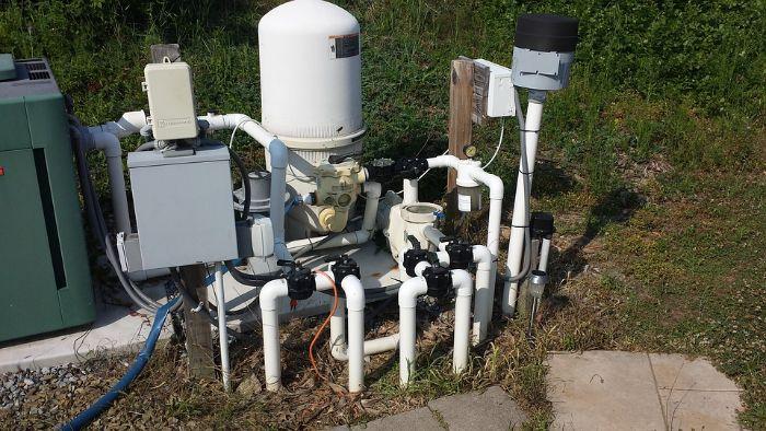 quelle structure d une pompe à eau pour redistribuer ou évacuer l eau à l extérieur d un jardin