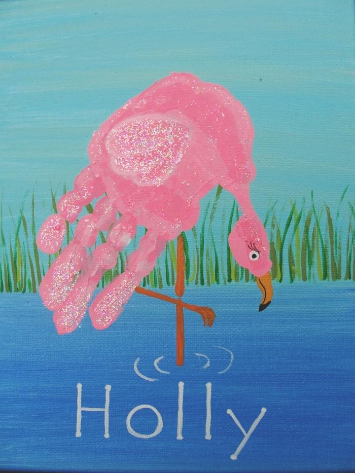 joli cadeau fête des mères maternelle à faire avec de peintures, modèle de peinture originale à motif flamant rose en empreinte
