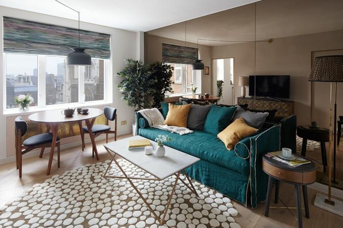 Moderne déco salon canapé bleu canard decoration interieur appartement, aménagement petit appartement 40m2,