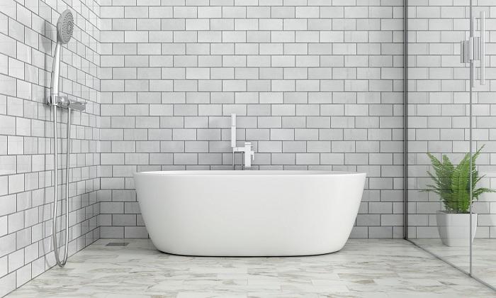 Le carrelage reste le matériau privilégié dans la salle de bain et la cuisine, de par sa résistance à l'humidité
