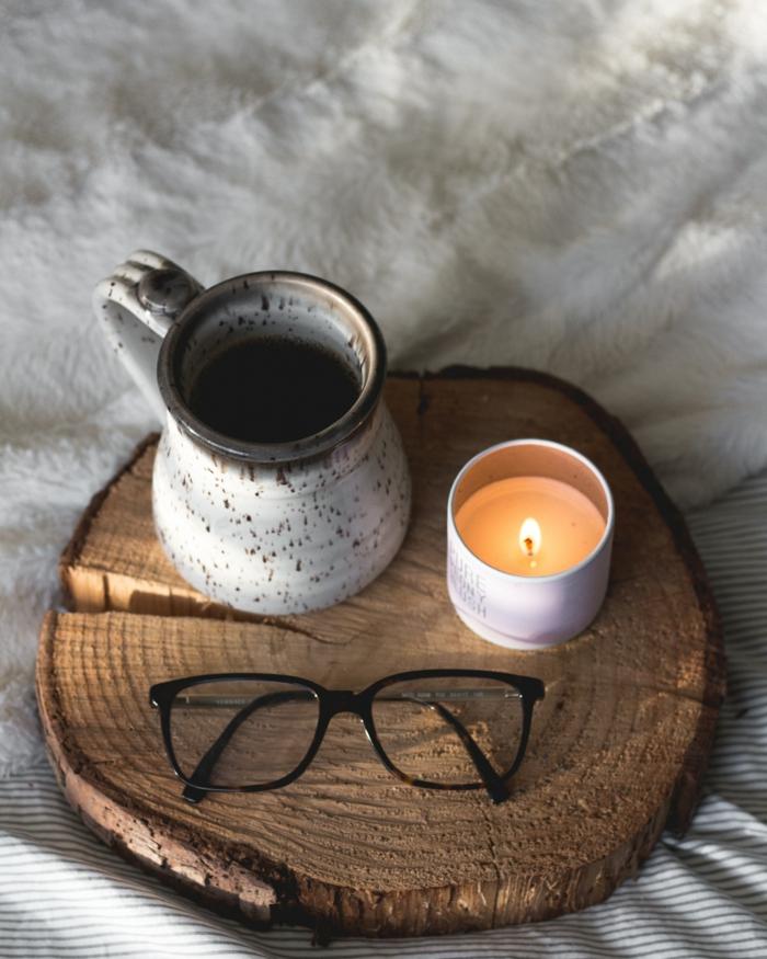 Bougie et café lunettes de soleil fond d'ecran magnifique, fond d'ecran pour tablette thème cocooning