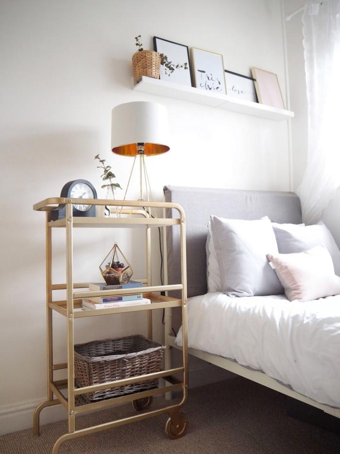 deco a faire soi meme pour la chambre à coucher, diy meuble de chevet original en bar à pieds roulants recyclé et repeint