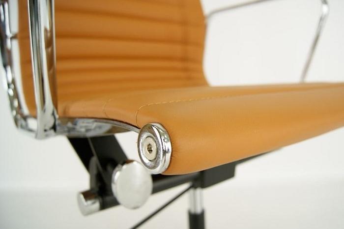Rendez votre expérience de télétravail plus confortable avec un fauteuil de bureau design en cuir eames