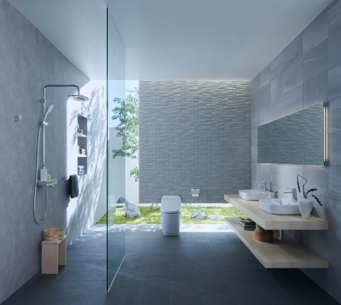 idée déco salle de bain spacieuse avec douche, design salle de bain contemporaine en couleurs neutres blanc et gris