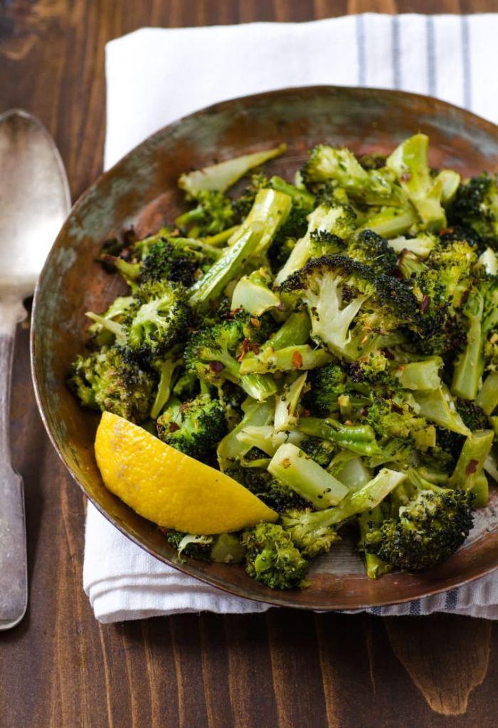 exemple d accompagnement grillade de brocoli assaisonnées avec du sitron et sautées