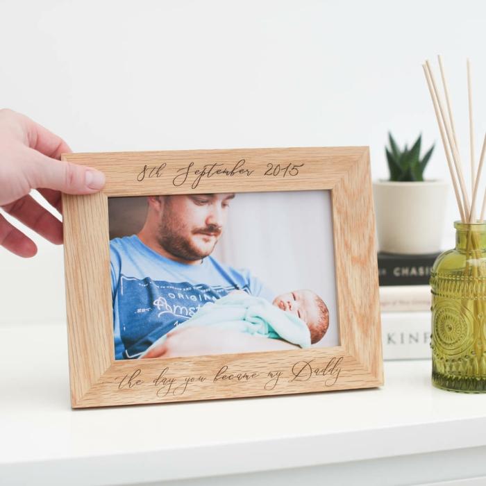 Cadre photo avec écriteau pour son papa, cadeau personnalisé activité fete des peres, créative idée cadeau fête des pères fait par bébé