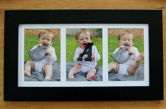 Photo de bébé qui tient des lettres trois photo de bébé qui tient les lettres du mot papa sur une pelouse verte photo au jardin