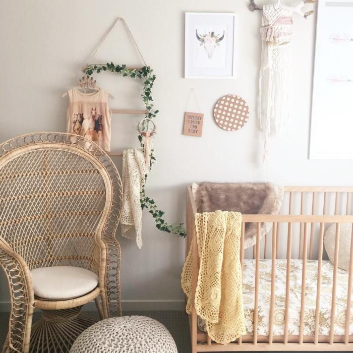 idée déco chambre bébé d'esprit exotique, quelles couleurs pour décorer une chambre enfant relaxante d'esprit nature
