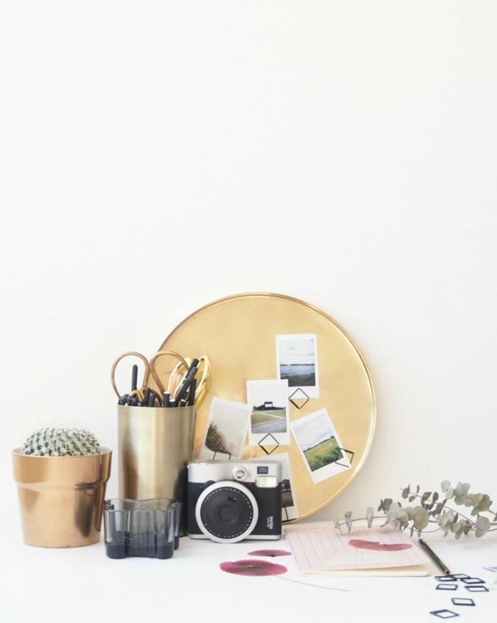 Ronde tablier doré en métal pour mettre des photo et les ranger avec magnets cadre multi photo, porte photo mural, guirlande photo pour décorer le mur