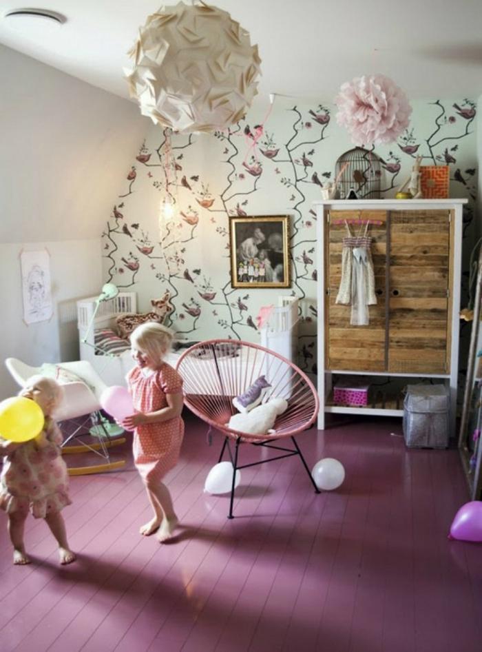 Rose plancher de sol papier peinte fleurie idée peinture chambre fille, décorer bien la chambre de sa fille