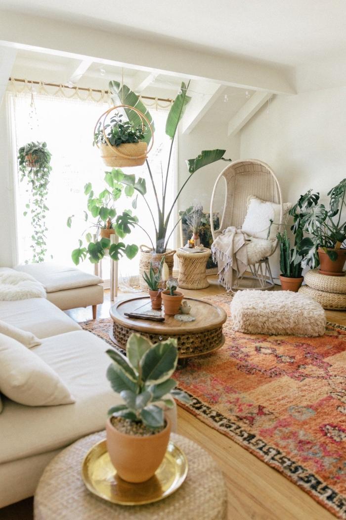 quelles plantes pour décorer une pinterest chambre d'esprit urbain jungle, design pièce blanche au parquet bois avec plantes exotiques