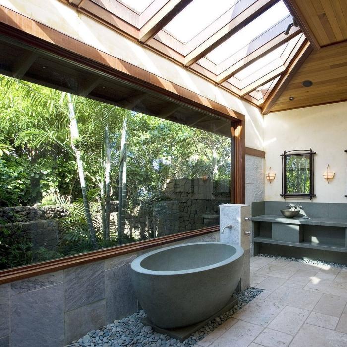 aménagement salle de bain relax, quelles couleurs pour une salle de bain de style japonais, design salle de bain avec baignoire