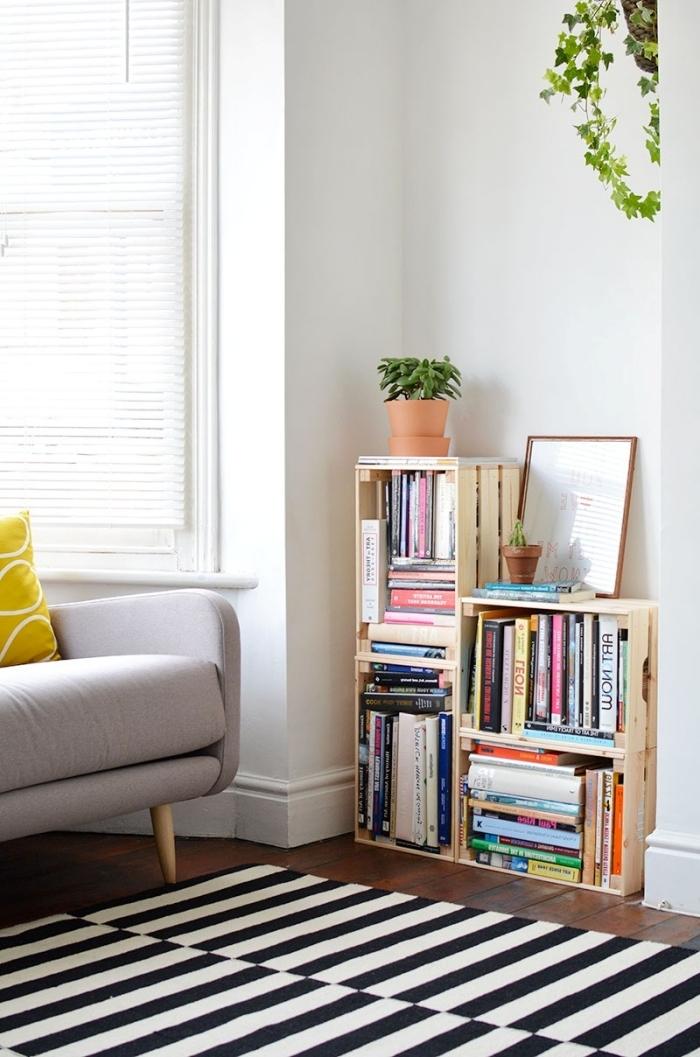 coin de lecture à deco avec palette ou cagettes de bois, diy meuble de rangement facile et à petit budget avec caisses de bois