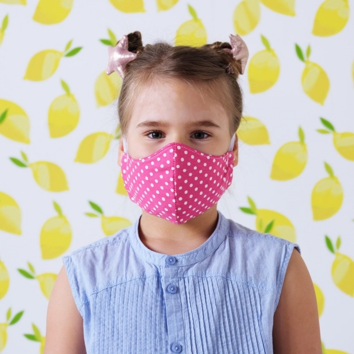 modèle de masque respiratoire pour petit à faire chez soi, exemple de masque visage fait maison avec tissu en coton 100%
