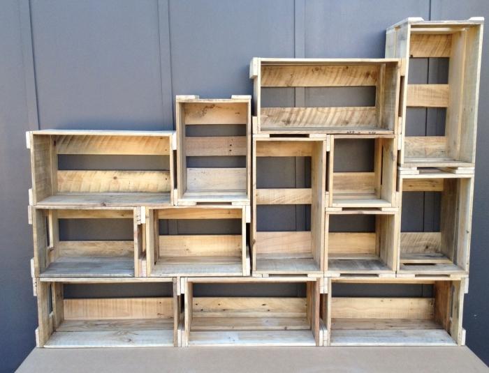 diy etagere palette ou caisses bois, idée de conception de meuble en palettes ou caisses de bois recyclés facile à faire