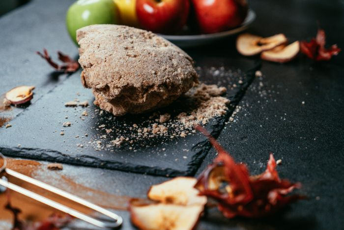 boule de pâte à tarte, tarte aux pommes sans compote, idee de pâte à tarte à faire soi meme facilement
