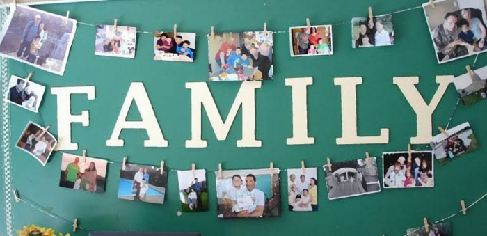 La famille mur photo, cadre photo mural, inspiration photo chambre mur motivation avec photos des relatives
