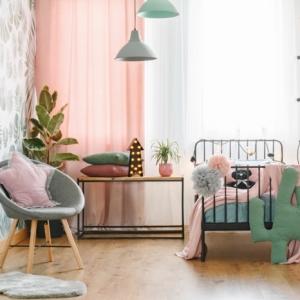 La chambre de fille en rose et gris - trouver les meilleures idées de décoration