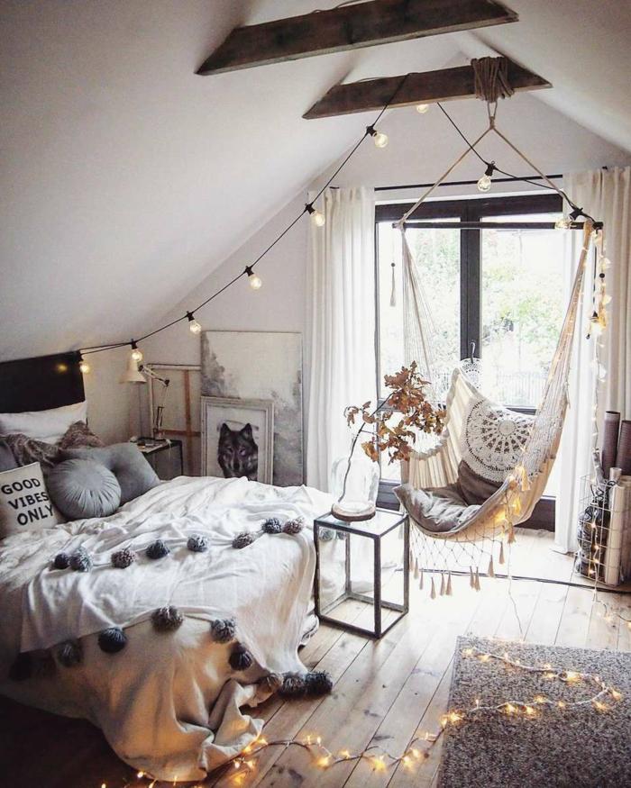 Chambre à coucher sous peinte, guirlande lumineuse, hamac chambre ado, deco de chambre fille, thème chambre bébé