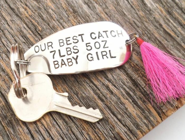 Porte clé personnalisé activité fete des peres, créative idée cadeau fête des pères fait par bébé