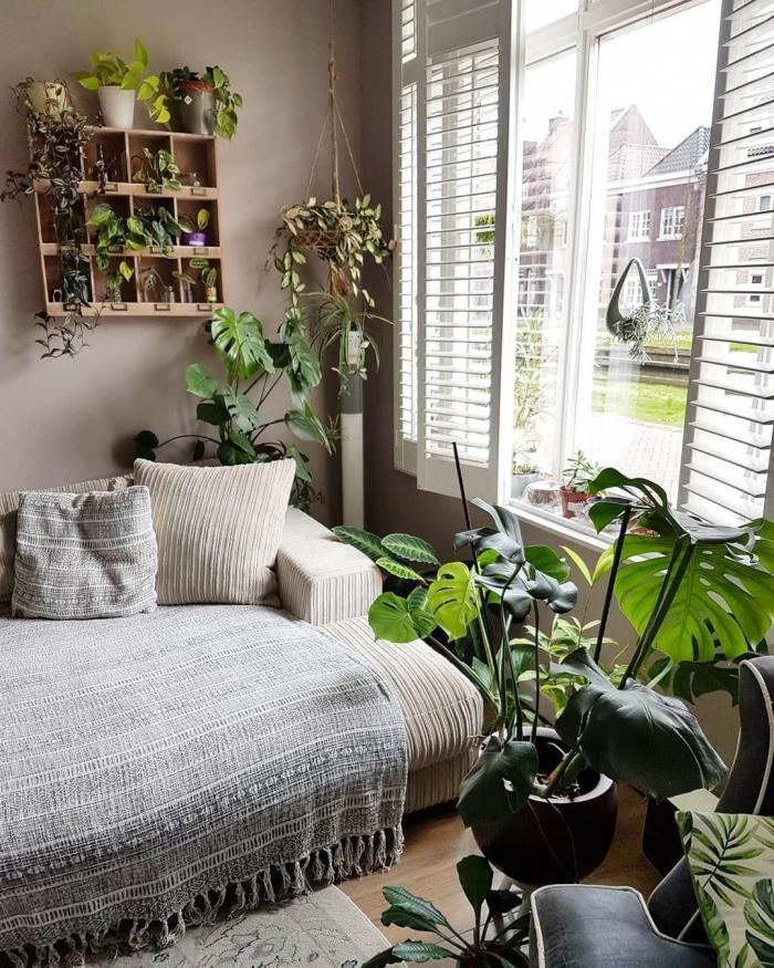 comment décorer une pinterest chambre d'esprit urbain jungle avec plantes vertes d'intérieur, modèle de suspension plante en macramé