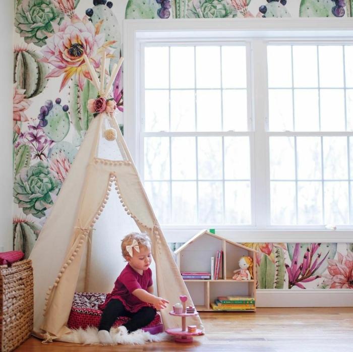 Tipi bébé papier peinte fleurie cactus couleur chambre fille, chambre de petite fille, les couleurs tendances