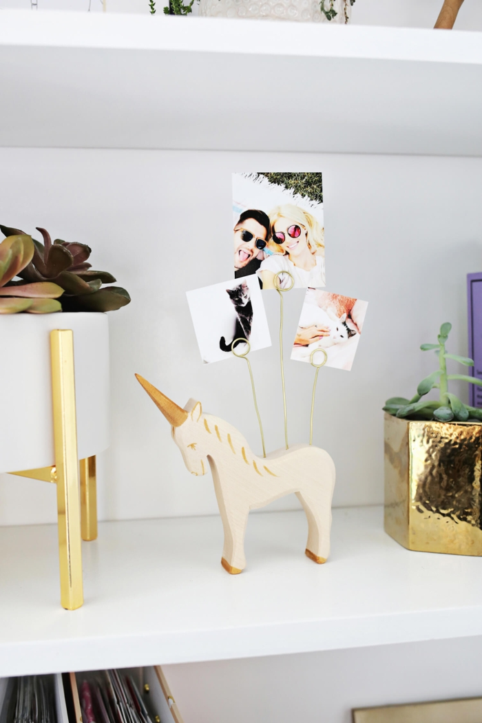 Porte photo licorne cadre pele mele, cadre photo original pour décorer les murs de sa maison