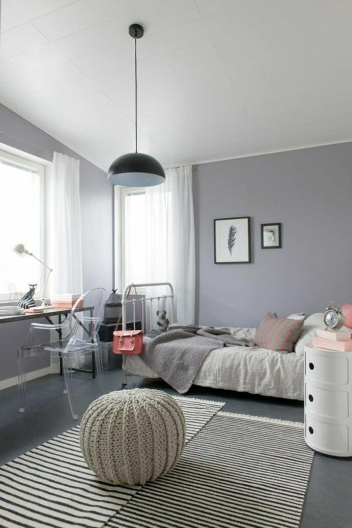 Mur gris lustre long noir en metal chambre de fille en rose et gris, idee decoration chambre fille