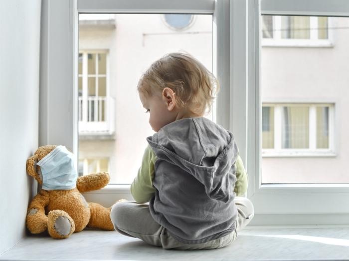 le porte du masque enfant à partir de quel âge, les masques de protection prohibés pour les enfants de moins de deux ans