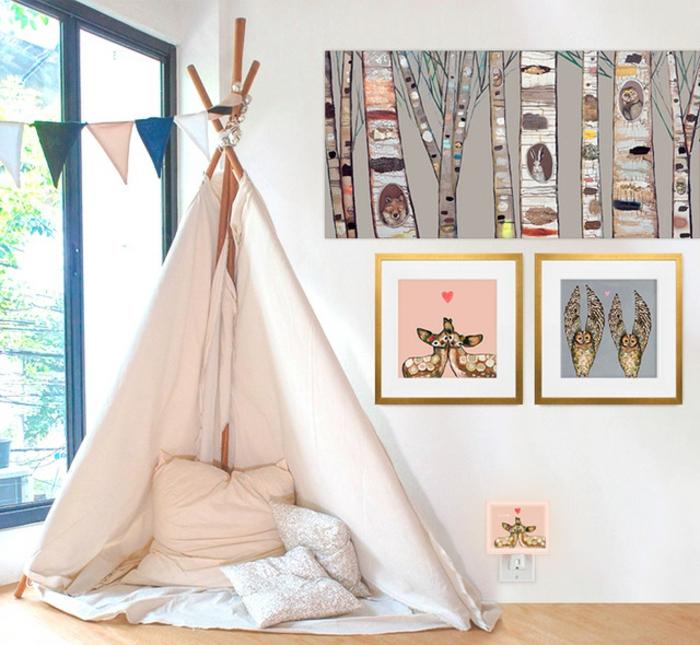 Tipi bois avec coussins roses et gris idée deco chambre bebe fille, chambre de fille en rose et gris