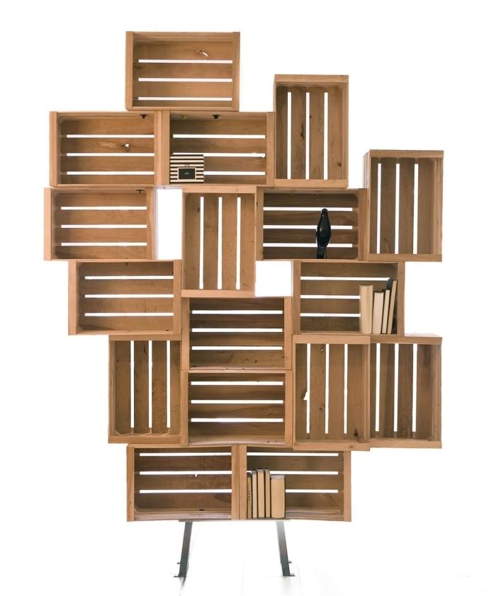 idée comment fabriquer ses meubles en bois de palette ou cagettes de bois, DIY étagère originale avec caisses de bois
