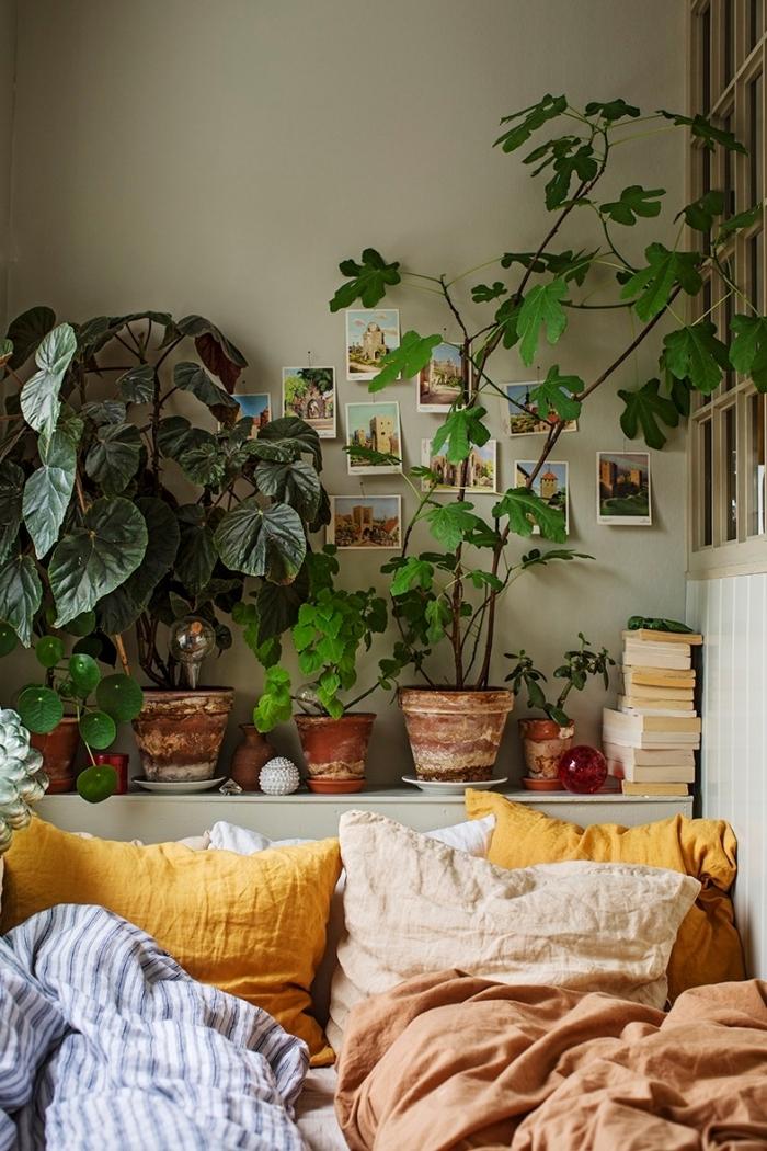 quelles décoration chambre à coucher adulte photos à faire soi-même, design petite pièce relaxante en vert avec accents en jaune