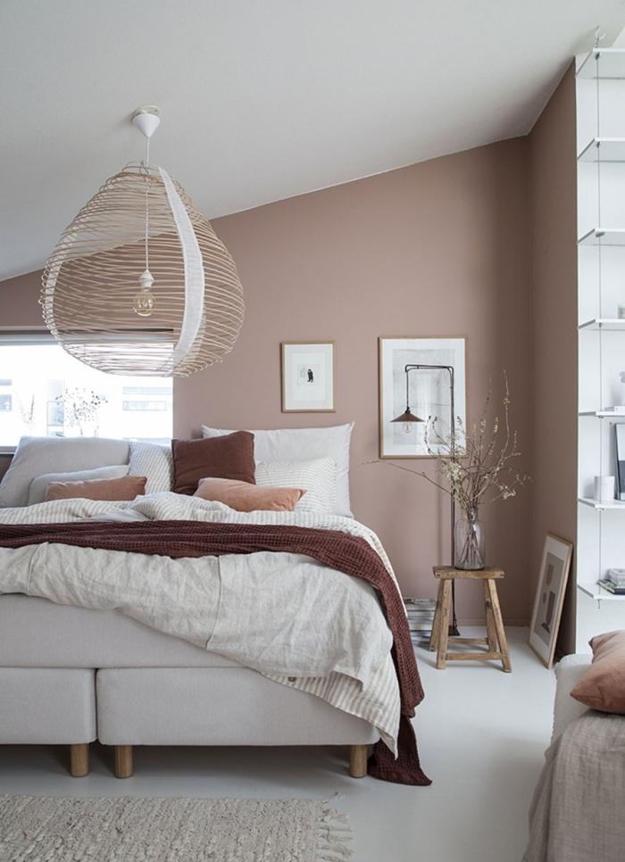 quelle décoration murale chambre adulte à réaliser de style moderne, design pièce naturelle décorée en couleur terre